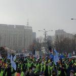 """Polițiștii protestează din cauza înghețării salariilor: """"Câștigăm atât de puține salarii până la 45 de ani, când ieșim la pensie, apoi devenim ASISTAȚI SOCIAL CU GRADE!"""""""
