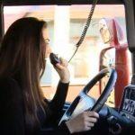 O tânără s-a făcut șofer de TIR după ce a terminat două facultăți și master. Așa îi trebuie dacă nu a învățat PDF!