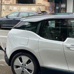 """De """"Vinerea Verde"""", Raluca Turcan a venit la serviciu cu un BMW electric de 40.000 de euro, că pe jos i se murdăreau Versace-urile"""