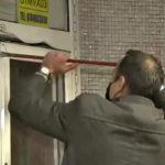 Șeful Metrorex demolează chioșcurile o rangă. Să-i dea cineva adresele unor sedii de partide, că pare în formă!